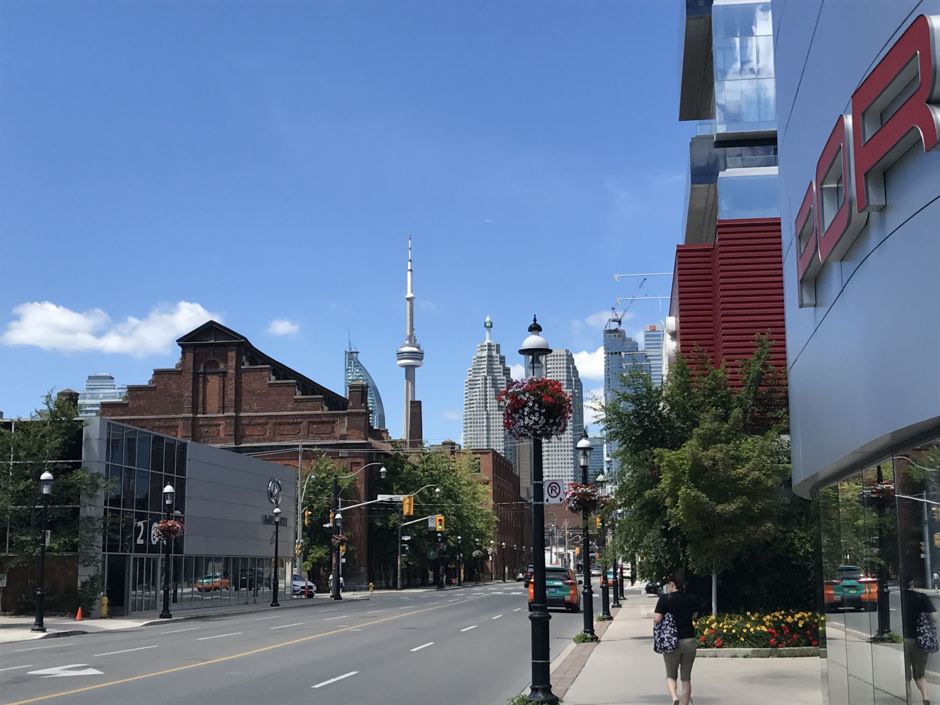 distillery district vyhled na cn tower